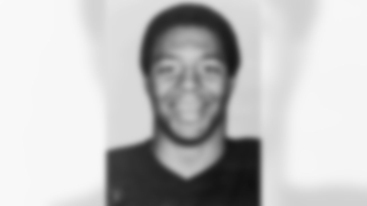 Marcus Allen was drafted by the Raiders with the 10th pick in the 1982 NFL Draft. In 11 years with the Raiders, Allen gained 8,545 yards on 2,090 carries with 79 TDs. He also caught 446 passes for 4,258 yards and 18 TDs. Allen was named Super Bowl XVIII MVP, 1982 NFL Rookie of the Year, 1985 NFL MVP and was selected to five Pro-Bowl teams during his time with the Silver and Black. Allen was inducted into the Pro Football Hall of Fame in 2003.