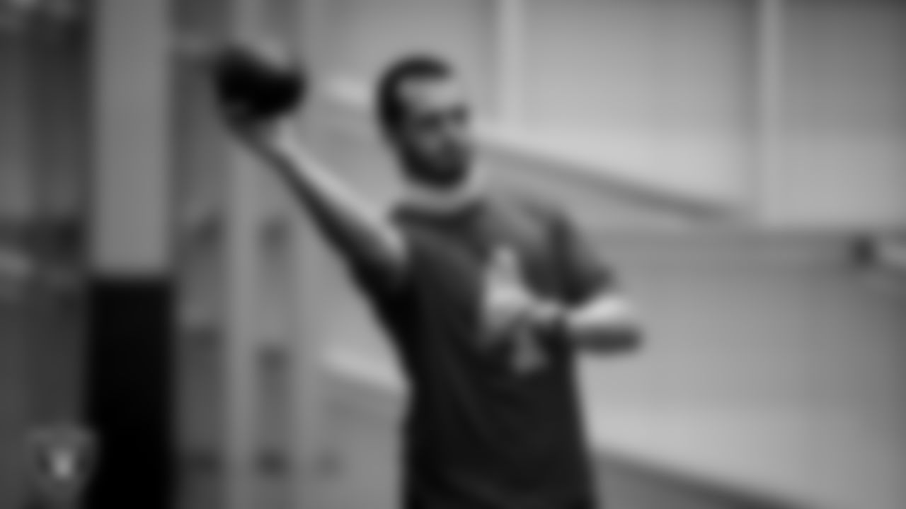 Las Vegas Raiders quarterback Derek Carr (4) on the field for a walkthrough.