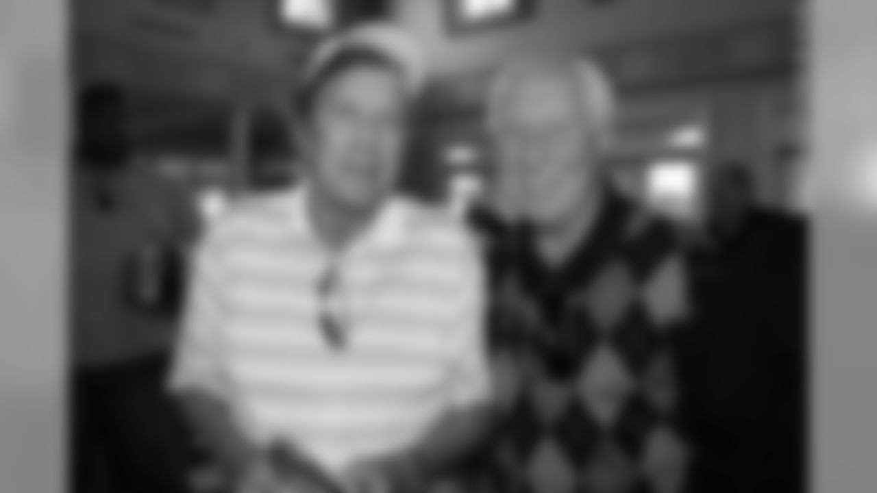 Raiders Legend Tom Flores and Hall of Fame WR Fred Biletnikoff