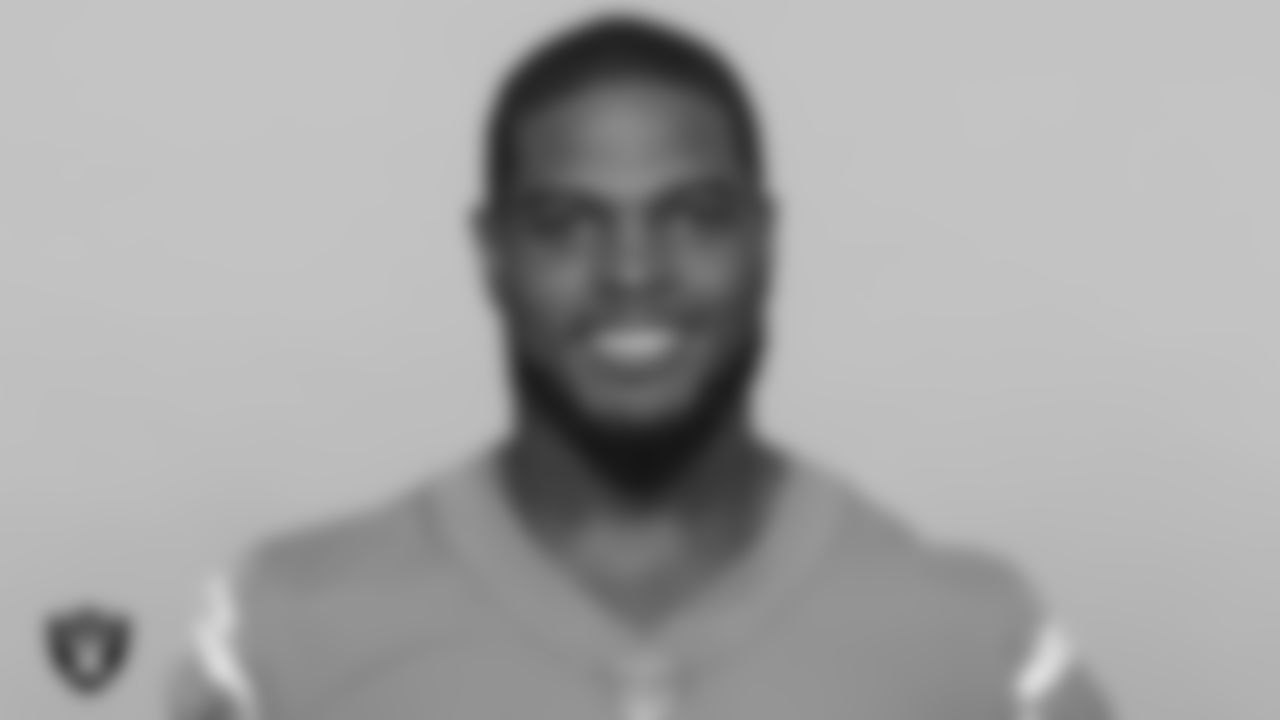 LB Denzel Perryman  Previous teams: San Diego/Los Angeles Chargers (2015–20), Carolina Panthers (2021)