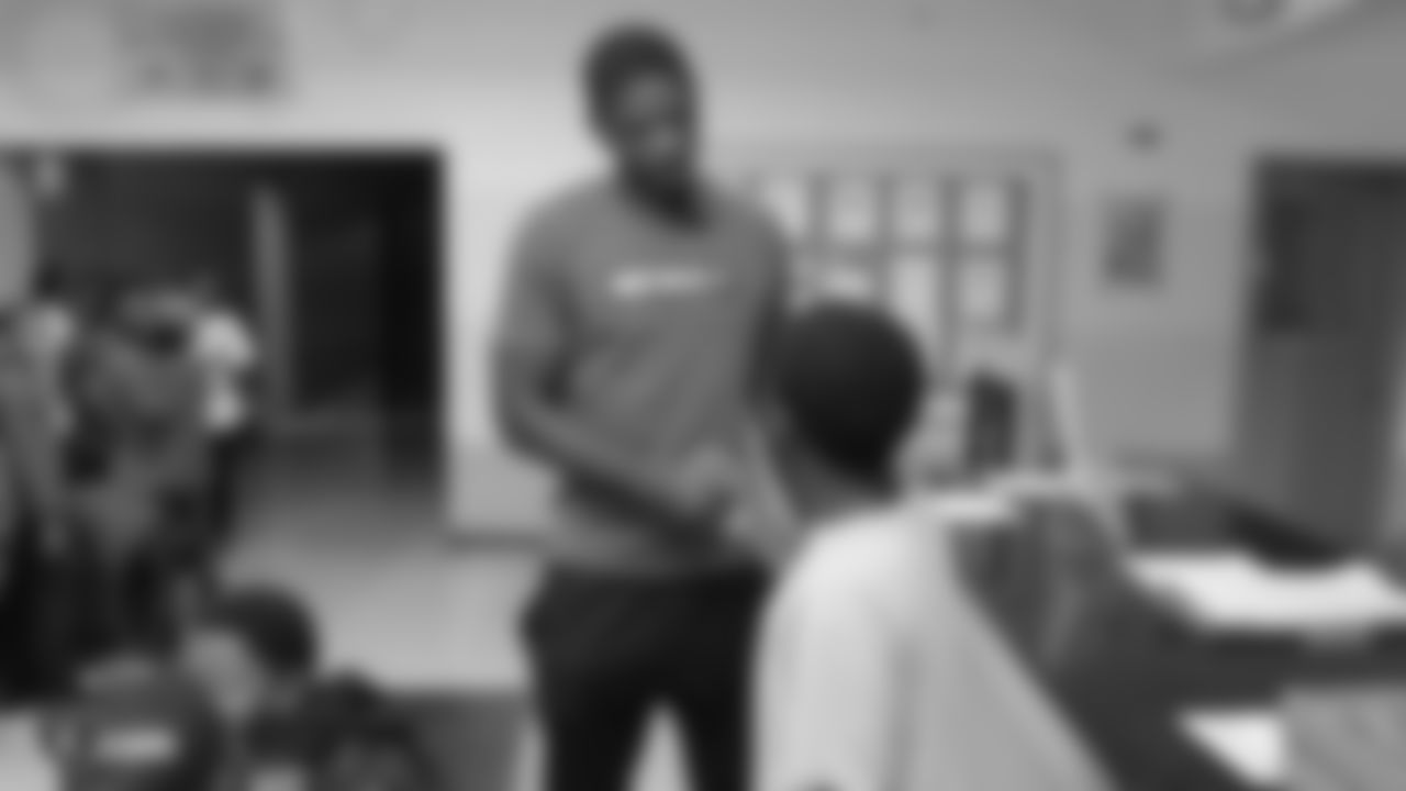 Oakland Raiders cornerback Rashaan Melvin (22) and Chef Tom of Out of the Cave visit the Boys & Girls Club of Oakland to speak to members about the importance of staying in school, Tuesday, September 25, 2018, in Oakland, California.