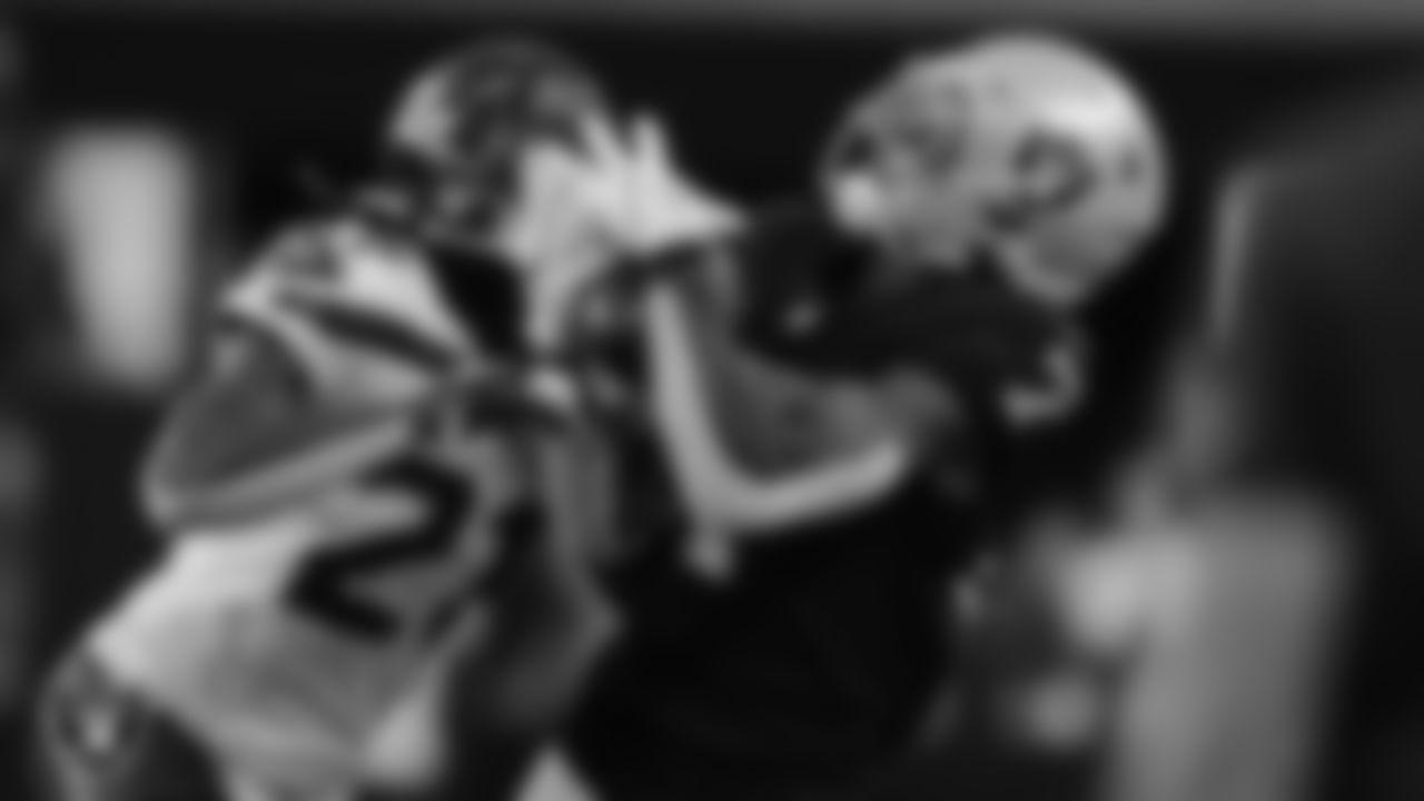 Las Vegas Raiders wide receiver Zay Jones (7) during the preseason game against the Seattle Seahawks at Allegiant Stadium.