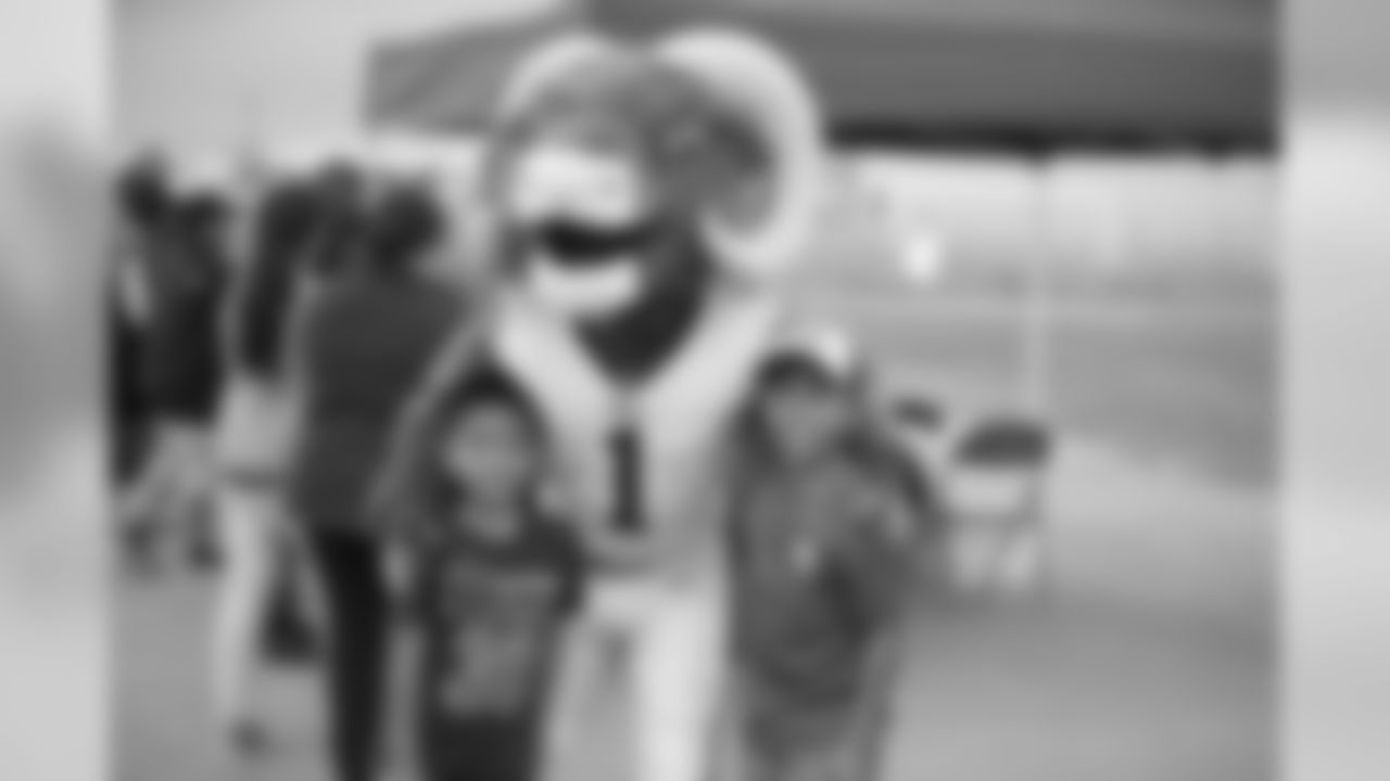 The Los Angeles Rams Community Affairs team, and Rams mascot Rampage host Play 60 to encourage children of active duty military to lead healthy lives, at March Air Reserve Base in Moreno Valley, CA, on April 5th, 2019. (Daniel Bowyer/Rams)