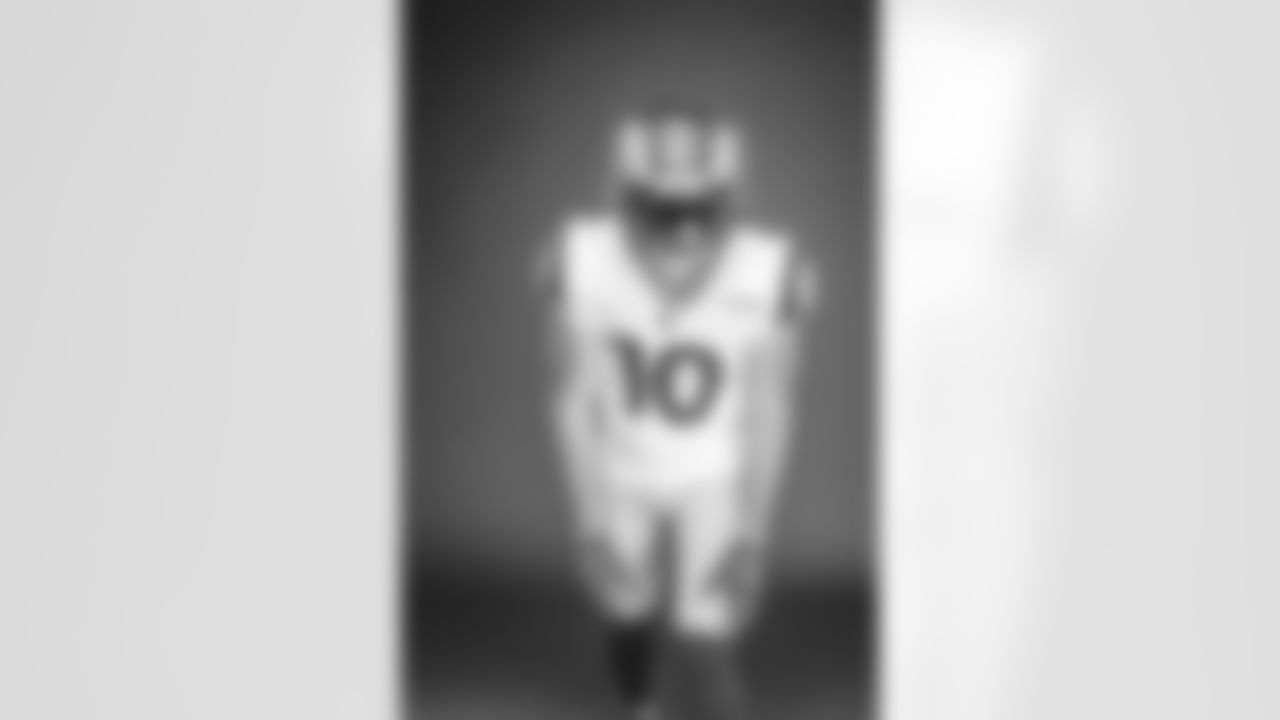 Cooper Kupp of the Los Angeles Rams poses in studio on a gray background, Wednesday, June 2, 2021, in Thousand Oaks, CA. (Jeff Lewis/LA Rams)