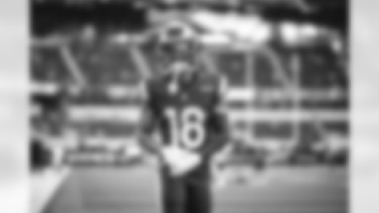 The Las Angeles Rams take on the Las Vegas Raiders during the 2021 preseason at SoFi Stadium.