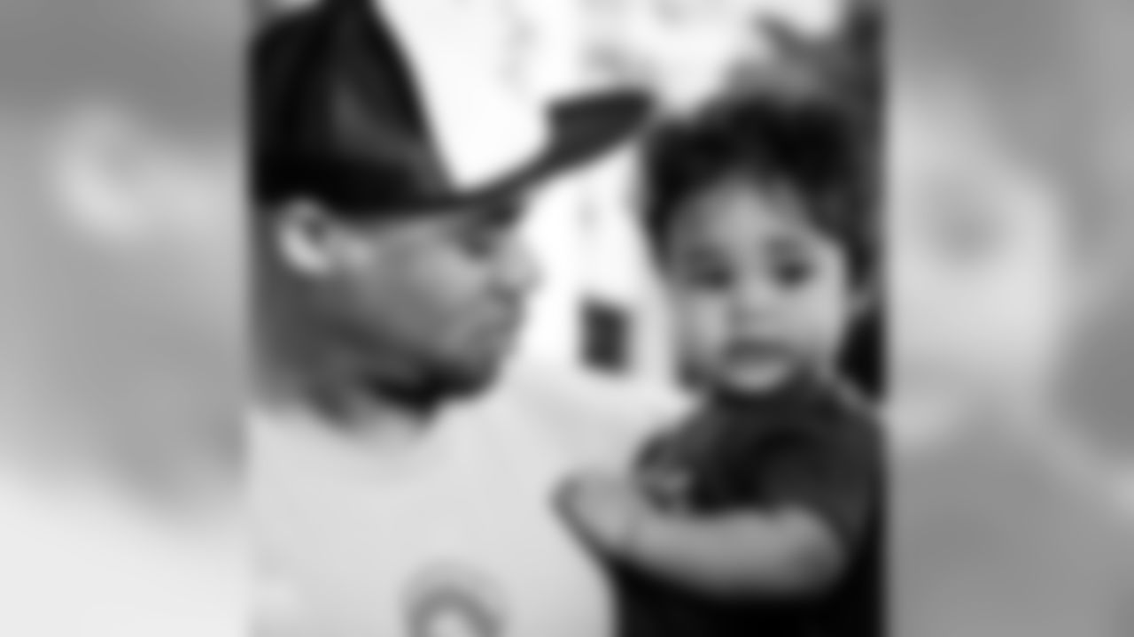 aceandsmitty [Steve Smith, Sr.]: It's been just about a year now that the Lord #blessed us with Deuce.. real name Stevonne Smith Jr. #Stevesmithjr. #family1stalways