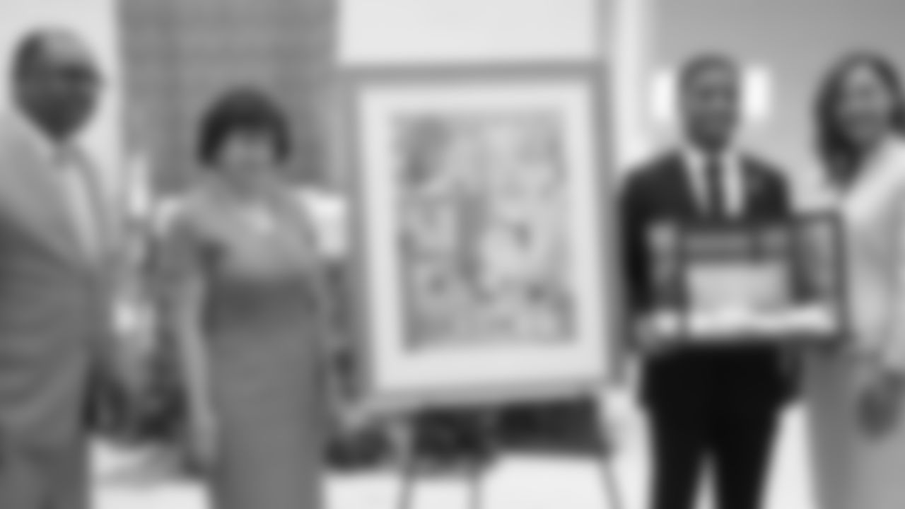 Gallery-RenamingCeremony-2560x1440-090618-6