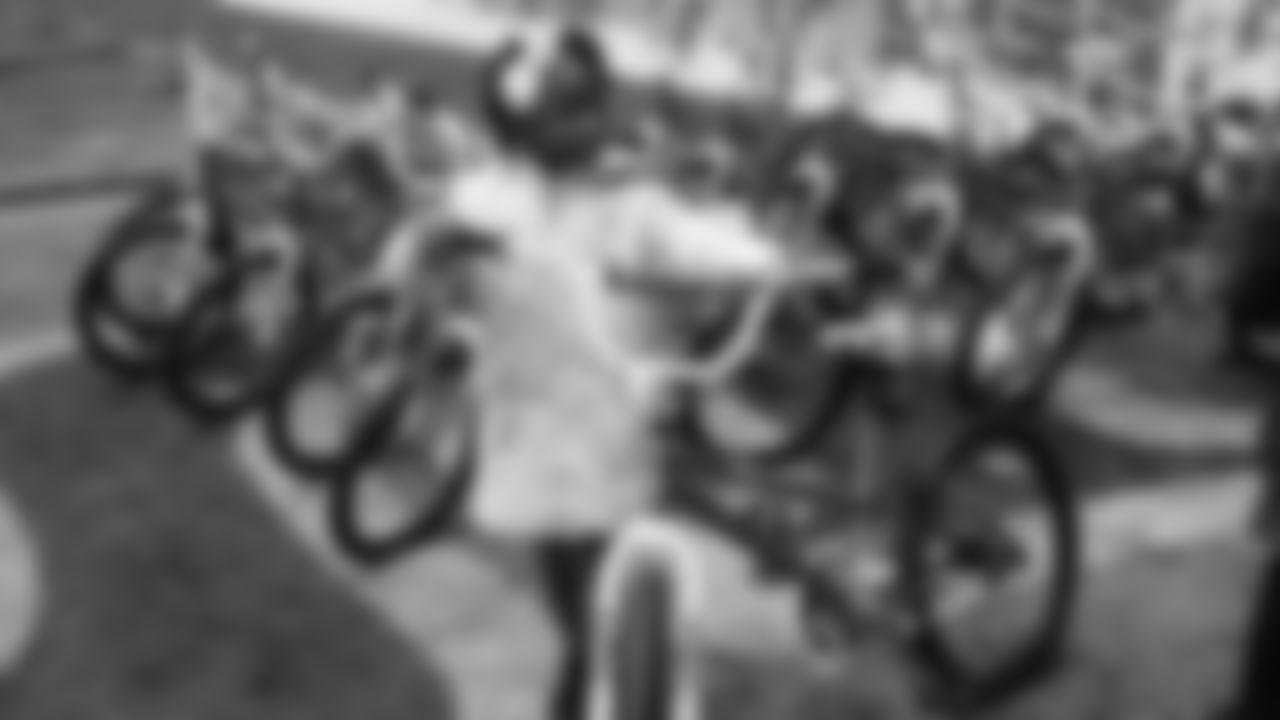 Gallery_Bikegiveaway_122018_003