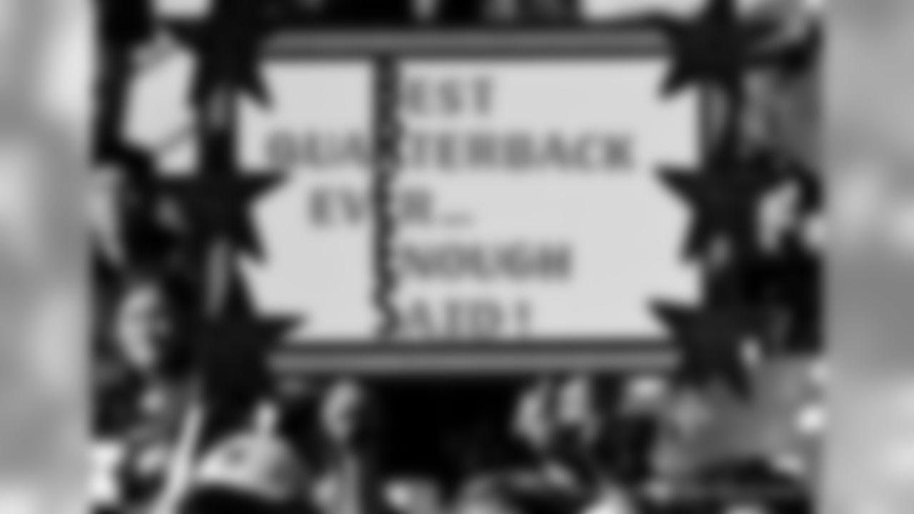 Gallery-Reg-Wk7-Saints-Ravens-Fans-B-102118-002