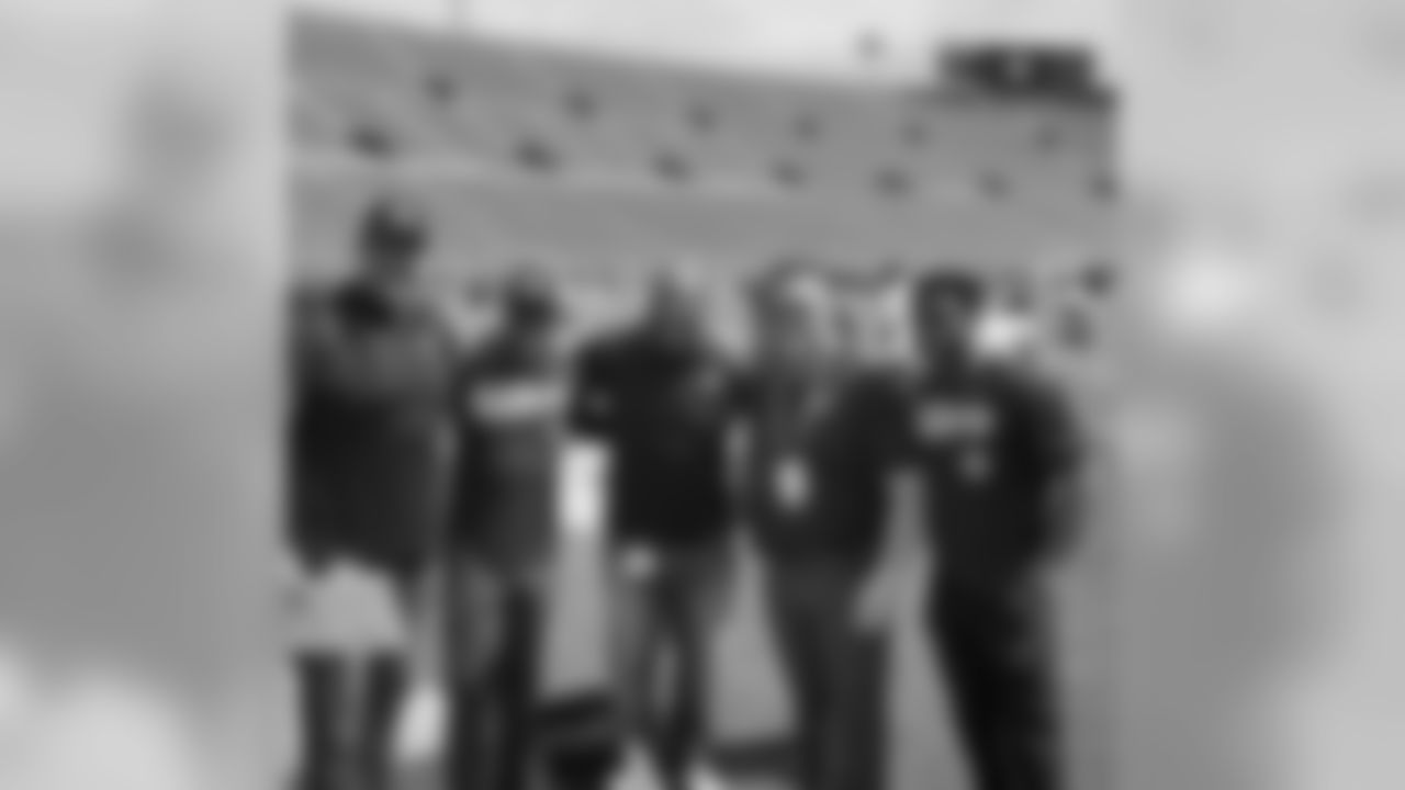 **Zach Strief:** Great catching up with this crew on the sidelines. All former teammates continuing our NFL journey off the field: Fred McAfee, Duece McAllister, Mike Karney & Reggie Bush.