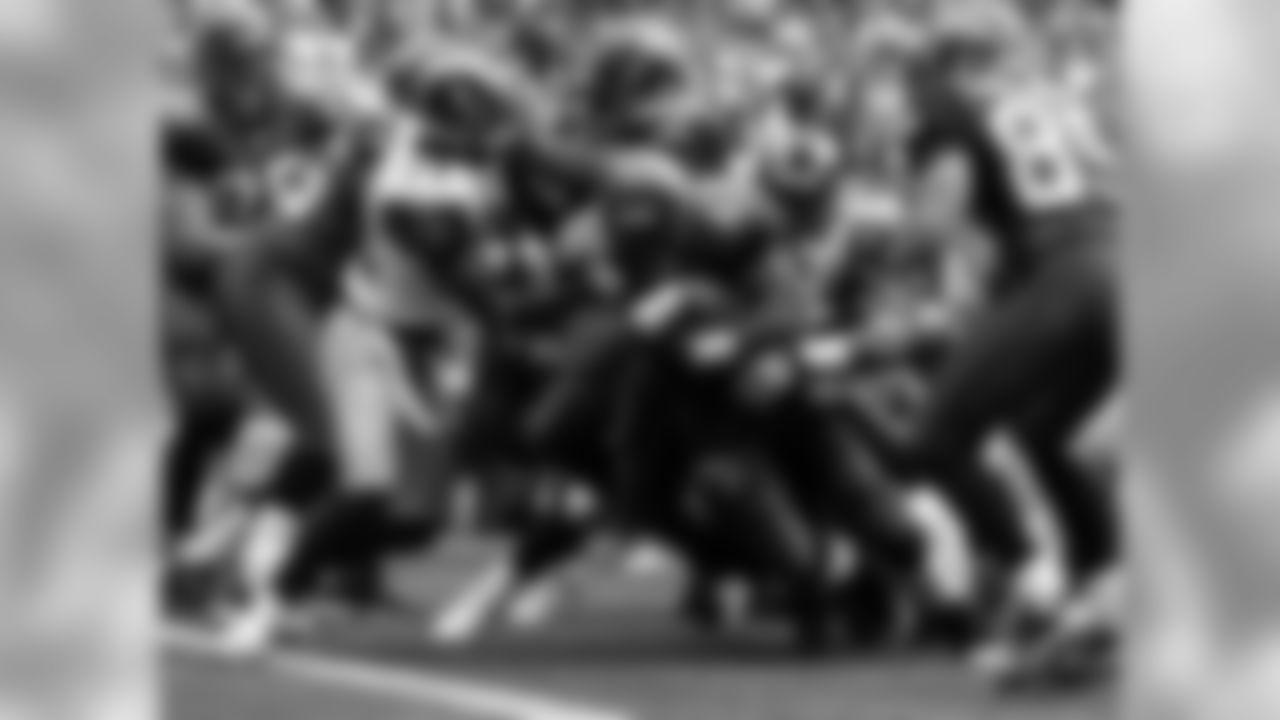 Week 3 - Seahawks vs Rams Photos