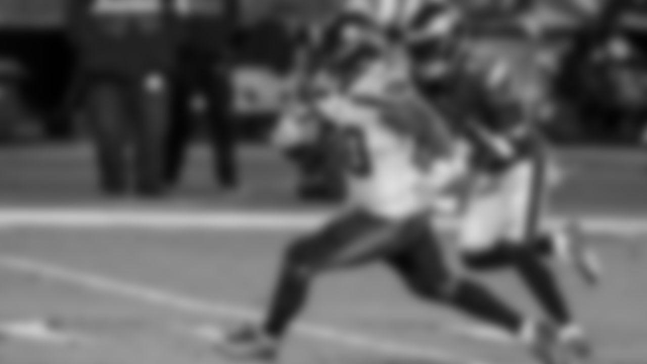 Seattle Seahawks Running Back Carlos Hyde (AP Photo/Rich Schultz)