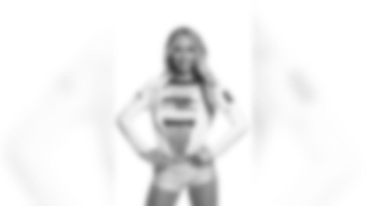 Seahawks Dancer Lilian has glamour shots taken prior to the 2021 season.