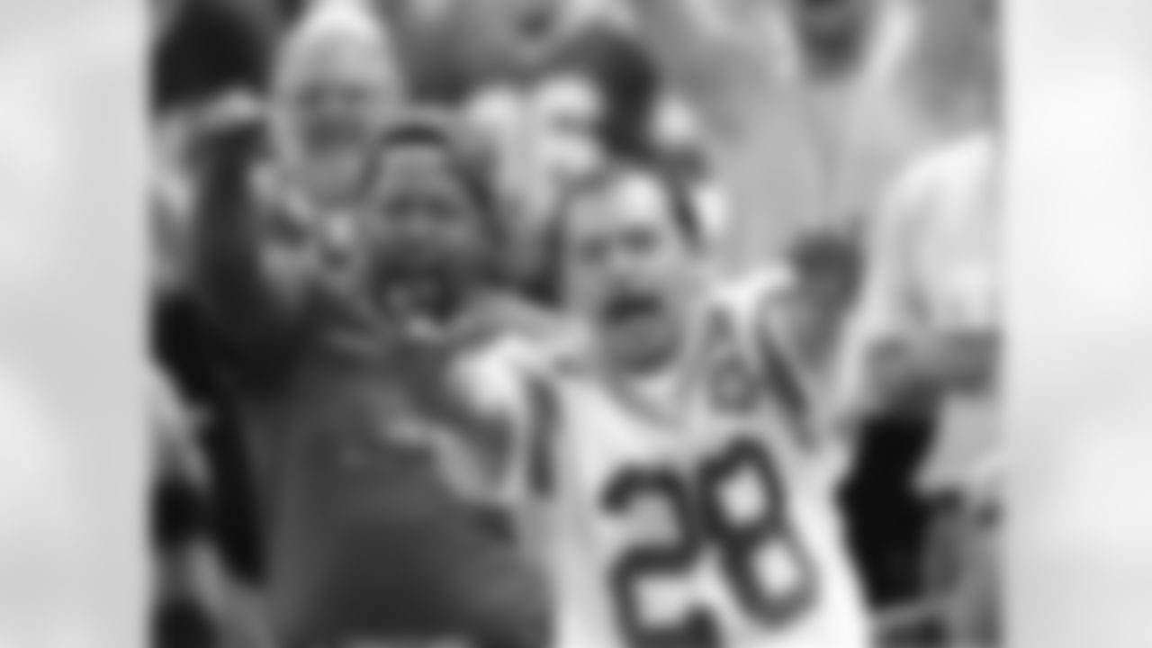 1999 Fans Raiders3
