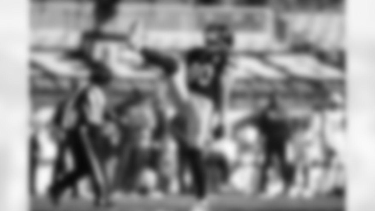 Pittsburgh Steelers linebacker T.J. Watt (90)