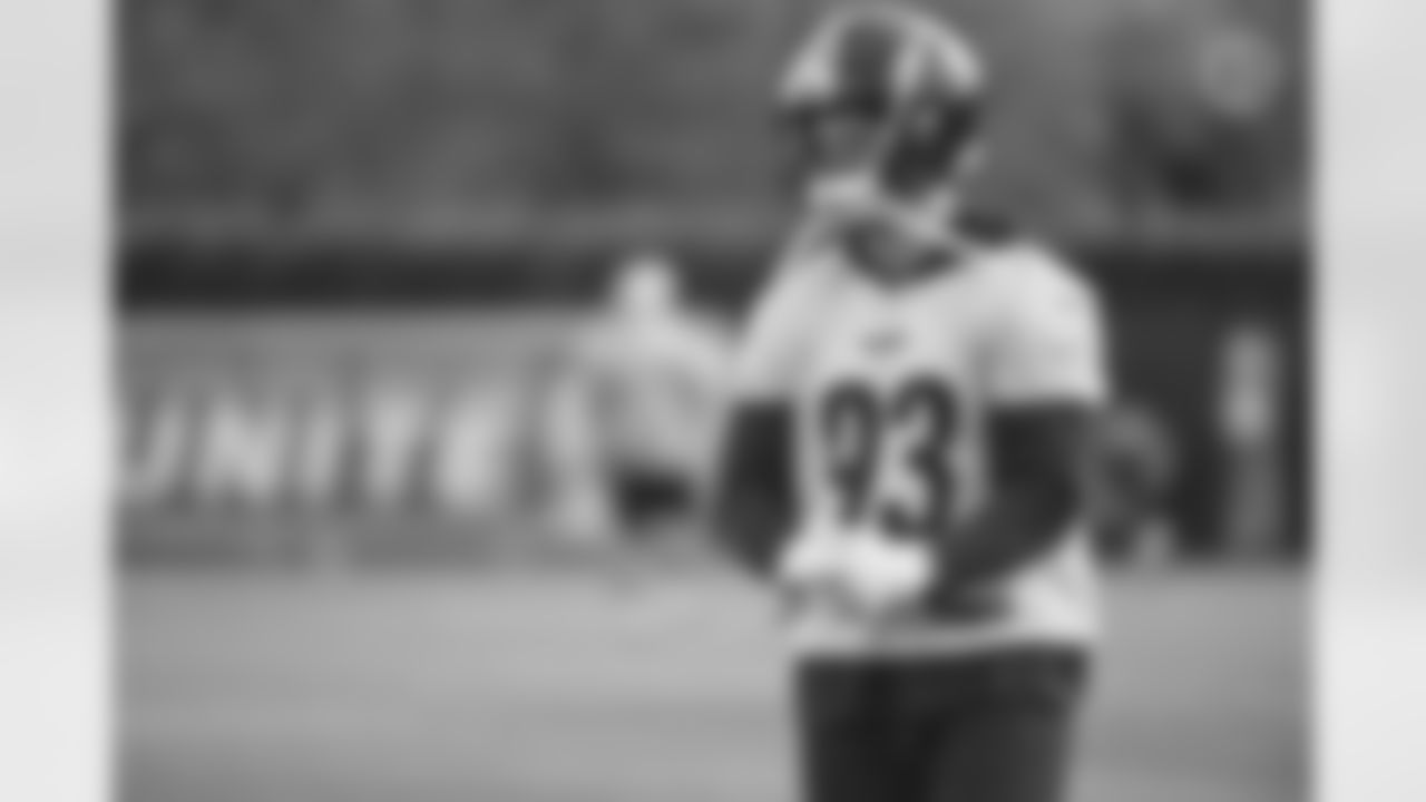 Pittsburgh Steelers linebacker Joe Schobert (93) during practice at the UPMC Rooney Sports Complex preparing for a Week 1 matchup against the Buffalo Bills, Thursday, Sept. 9, 2021 in Pittsburgh, PA. (Caitlyn Epes / Pittsburgh Steelers)