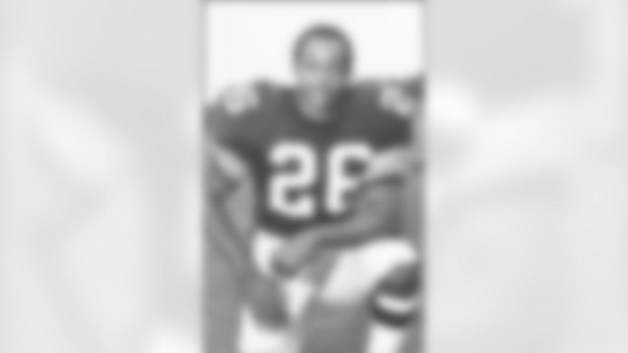 10. Preston Pearson (1970-1974) - 1,177 yards