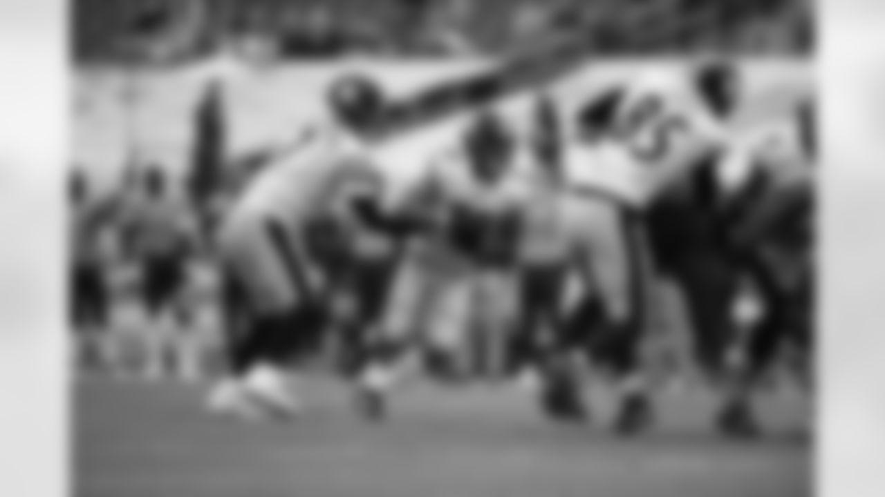 Pittsburgh Steelers running back James Conner (30) and Pittsburgh Steelers quarterback Ben Roethlisberger (7) during a regular season game between the Pittsburgh Steelers and the Tennessee Titans, Sunday, Oct. 25, 2020 in Nashville, TN. (Karl Roser / Pittsburgh Steelers)