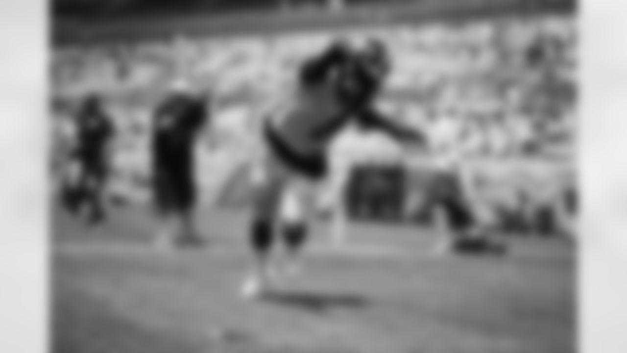 Pittsburgh Steelers linebacker Melvin Ingram III (8) trains at Heinz Field during the 2021 Steelers Camp, Monday, Aug. 9, 2021 in Pittsburgh, PA. (Karl Roser / Pittsburgh Steelers)
