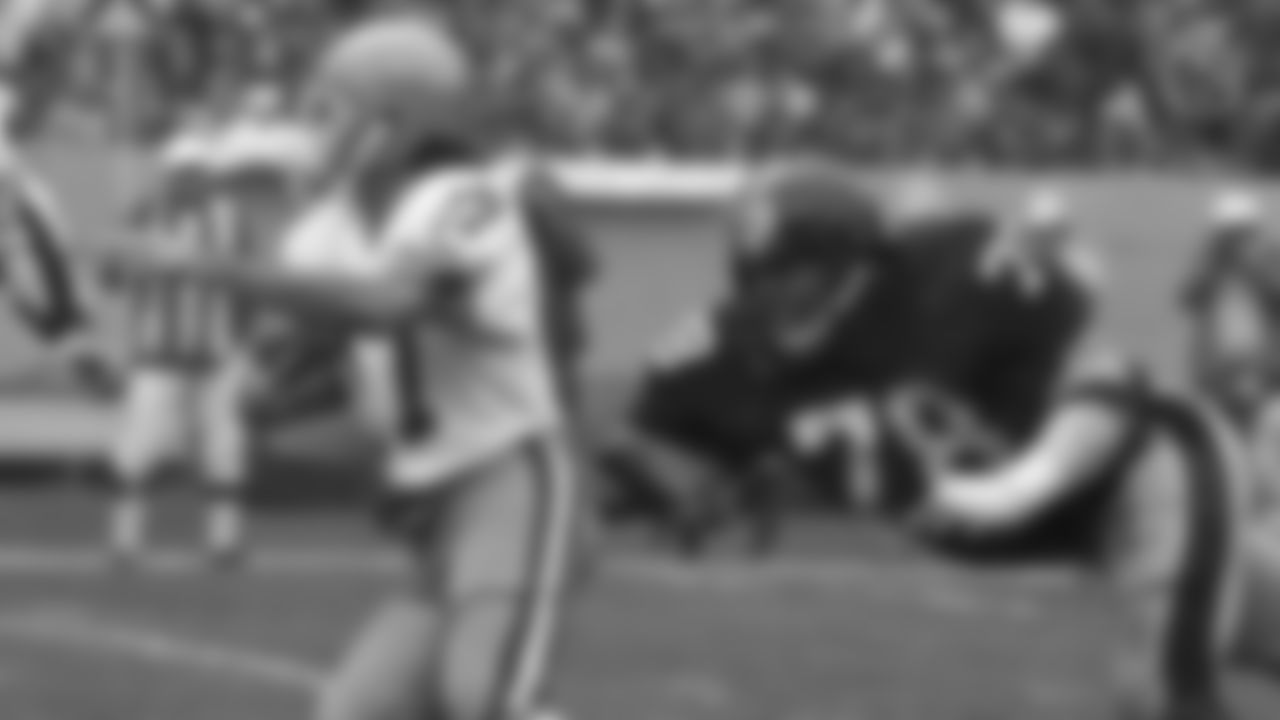Action shot of defensive end Dwight White #78 during his time with the Pittsburgh Steelers.