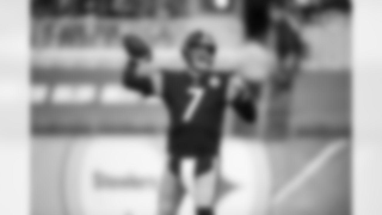 Pittsburgh Steelers quarterback Ben Roethlisberger (7) during a regular season game between the Pittsburgh Steelers and the Cincinnati Bengals, Sunday, Nov. 15, 2020 in Pittsburgh, PA. The Steelers defeated the Bengals 36-10. (Karl Roser / Pittsburgh Steelers)