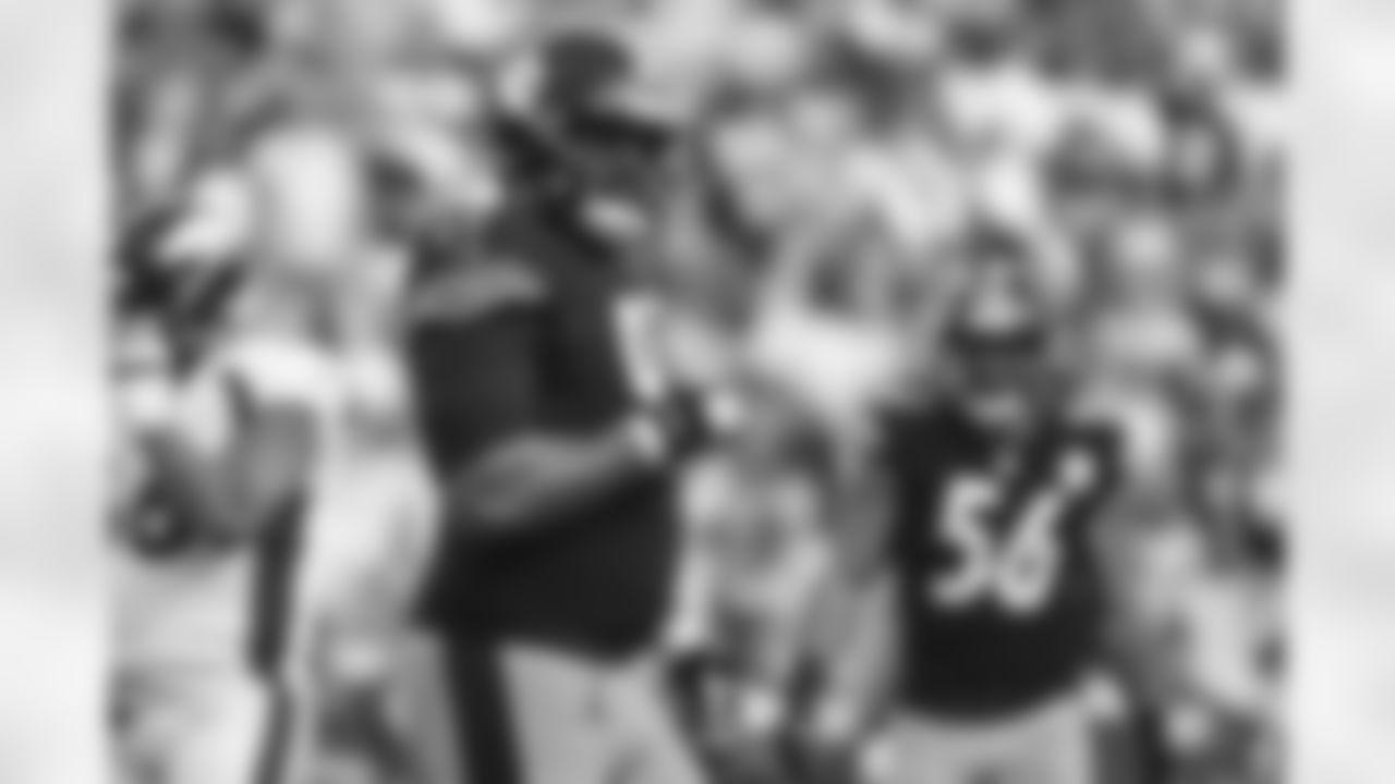 Pittsburgh Steelers defensive tackle Cameron Heyward (97) during a regular season game between the Pittsburgh Steelers and the Denver Broncos, Sunday, Oct. 10, 2021 in Pittsburgh, PA. The Steelers beat the Broncos 27-19. (Caitlyn Epes / Pittsburgh Steelers)