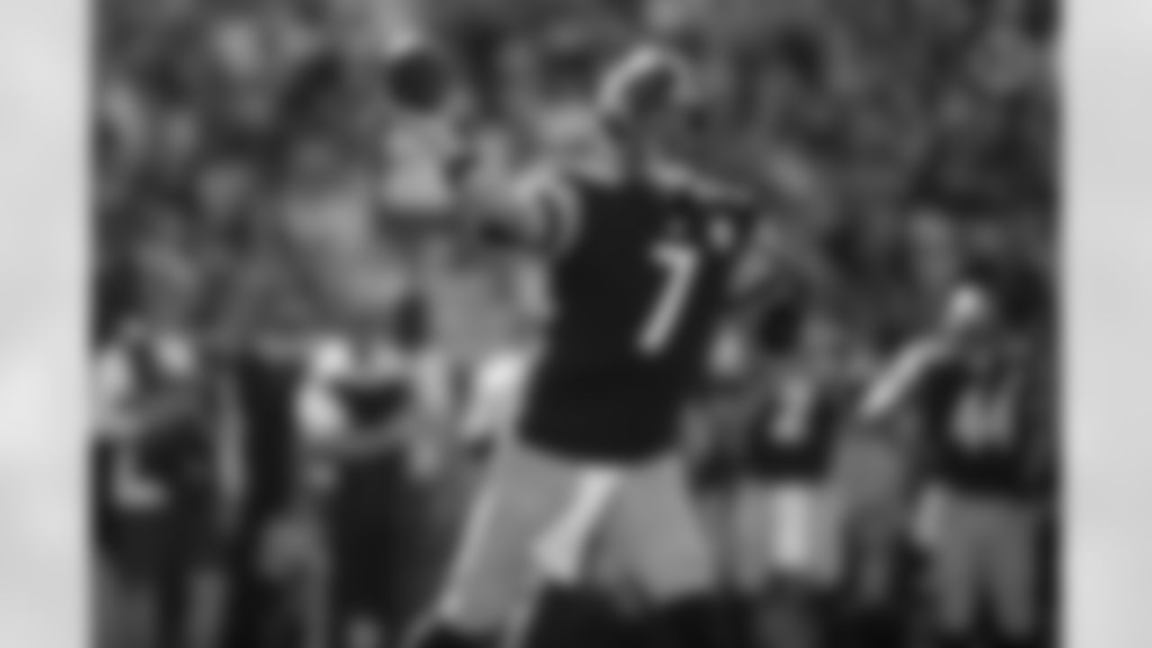 Pittsburgh Steelers quarterback Ben Roethlisberger (7) during a regular season game between the Pittsburgh Steelers and the Las Vegas Raiders, Sunday, Sept. 19, 2021 in Pittsburgh, PA. The Raiders beat the Steelers 26-17. (Karl Roser / Pittsburgh Steelers)