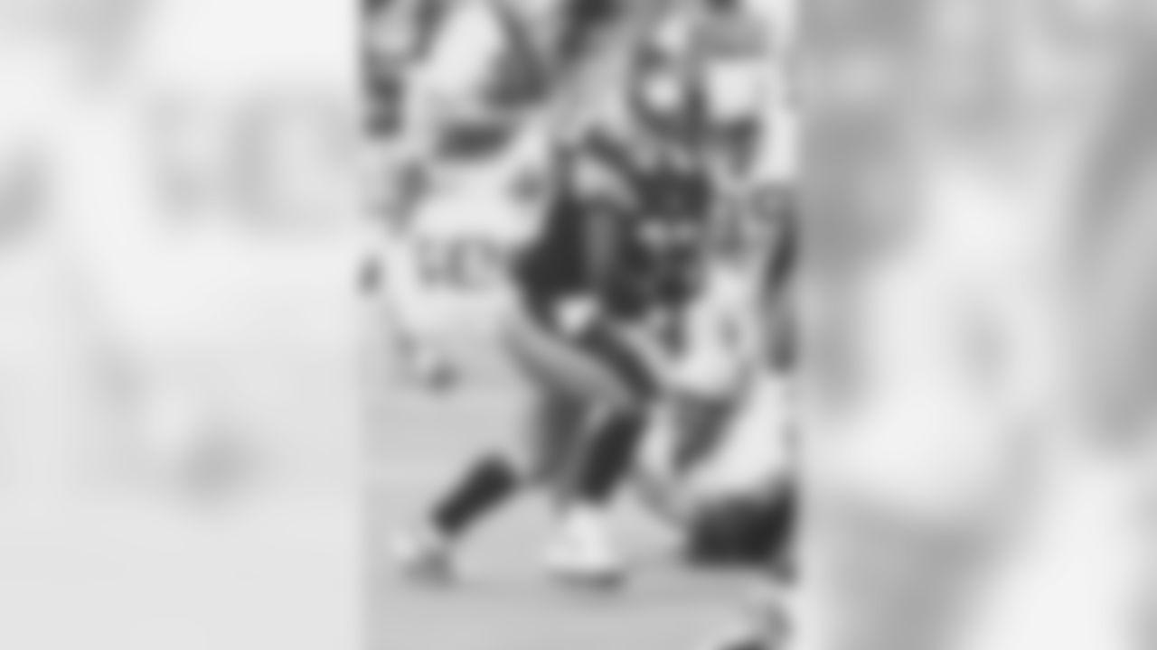 3. Byron Morris (94) - 836 yards
