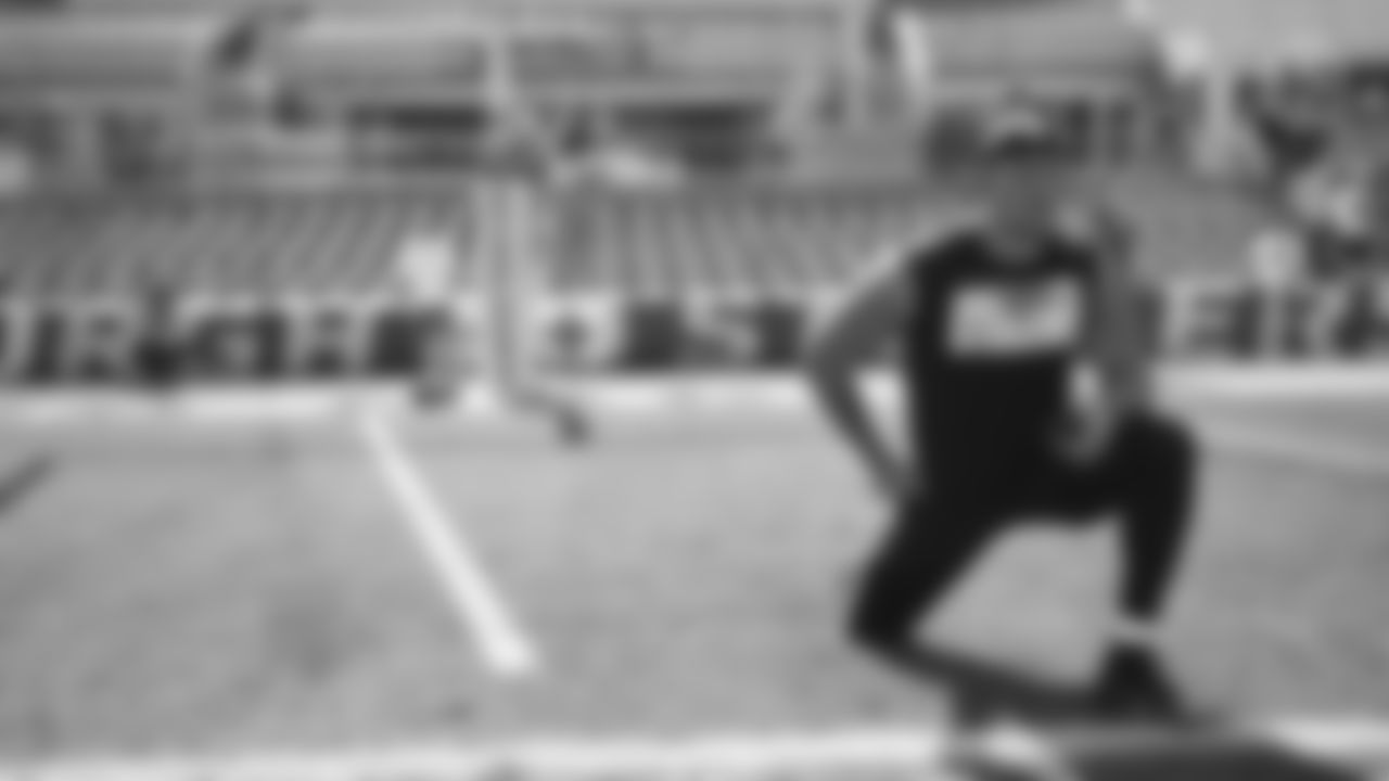 Pittsburgh Steelers linebacker Alex Highsmith (56) during a regular season game between the Pittsburgh Steelers and the Las Vegas Raiders, Sunday, Sept. 19, 2021 in Pittsburgh, PA. (Caitlyn Epes / Pittsburgh Steelers)