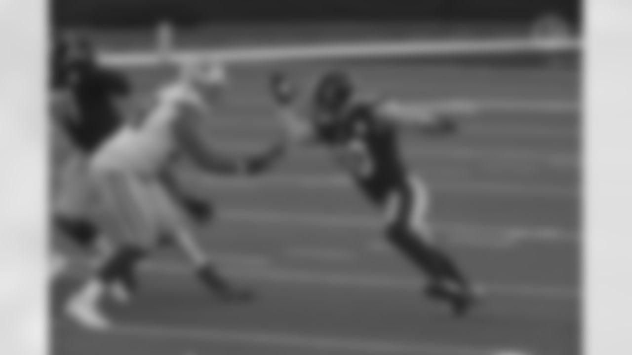 Pittsburgh Steelers linebacker T.J. Watt (90) during a regular season game between the Pittsburgh Steelers and the Dallas Cowboys, Sunday, Nov. 8, 2020 in Dallas, TX. (Caitlyn Epes / Pittsburgh Steelers)