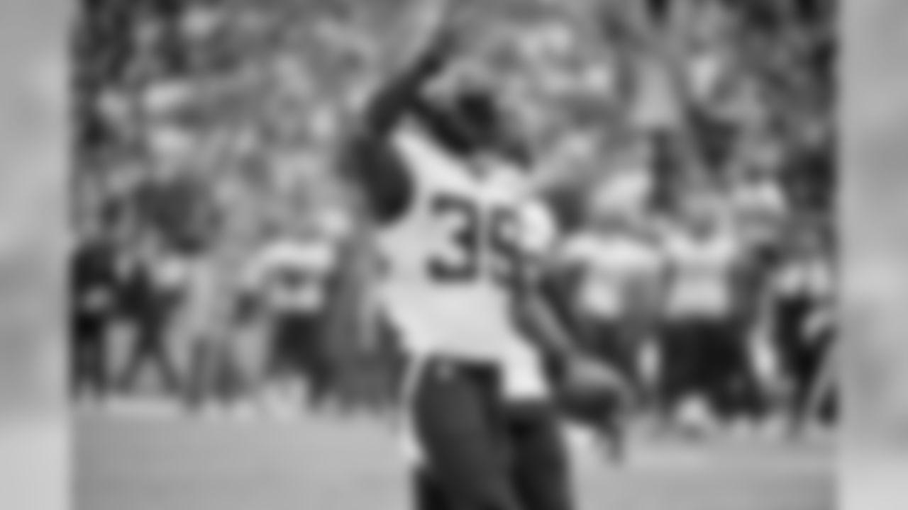 Jacksonville Jaguars defensive back Tashaun Gipson (39) celebrates an interception during the first half of an NFL football game against the Kansas City Chiefs in Kansas City, Mo., Sunday, Oct. 7, 2018. (AP Photo/Ed Zurga)