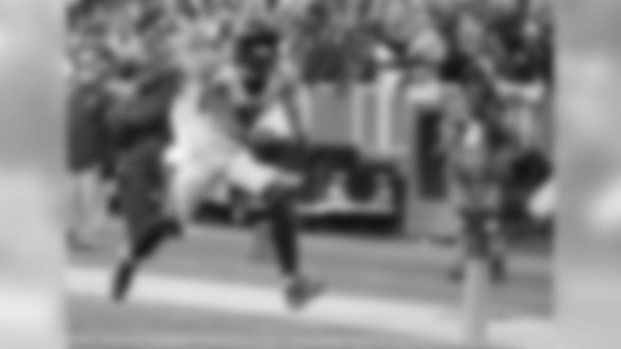 Wide receiver Julio Jones