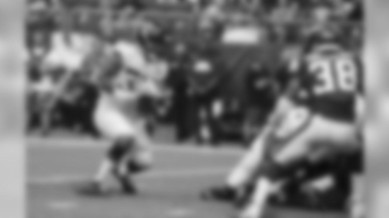 Jacksonville Jaguars running back Brandon Wilds scores on a 1-yard touchdown run during the second half of an NFL preseason football game against the Minnesota Vikings, Saturday, Aug. 18, 2018, in Minneapolis. (AP Photo/Bruce Kluckhohn)