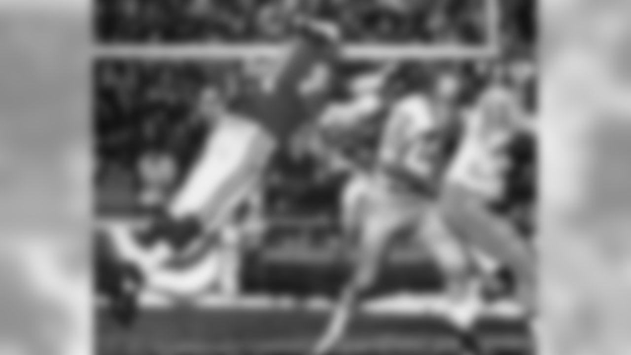 No. 1. Eller, Carl (1964-78)   130 sacks 1,015 yards