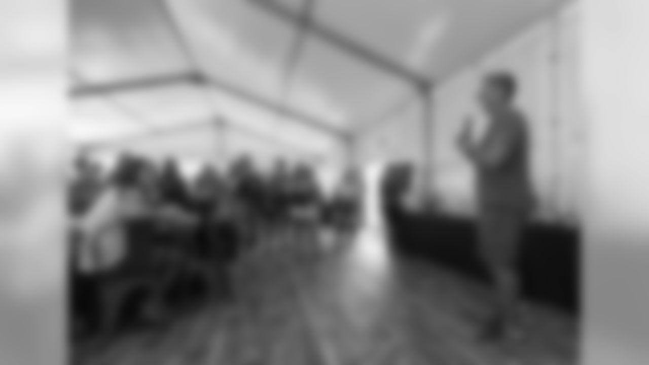 2018_0814_Event_VikingsWomenVIPTent_0016