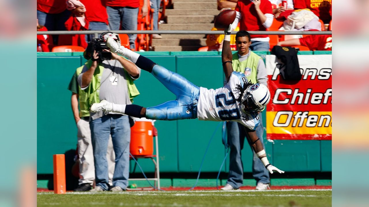 Chris Johnson Will Sign a One-Day Contract to Retire as a