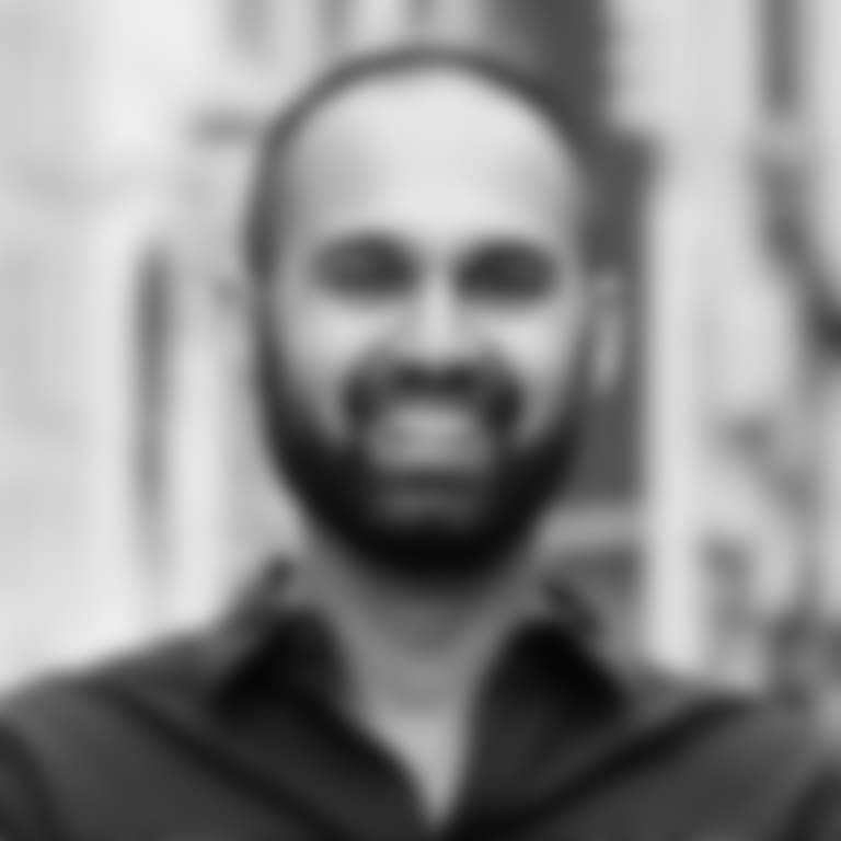 Russ-D'Souza-Headshot