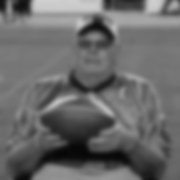 051718-Dennis-Blundell-Faithful-Football