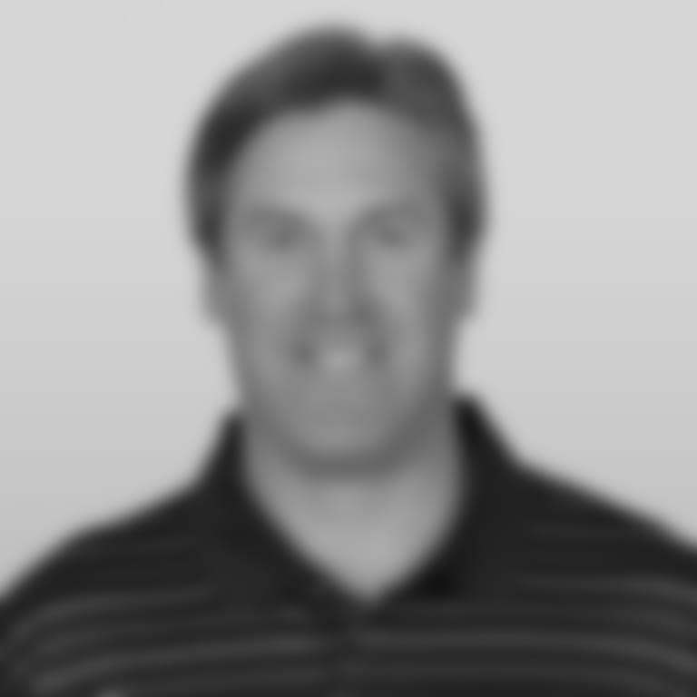 Headshot picture of Doug Pederson