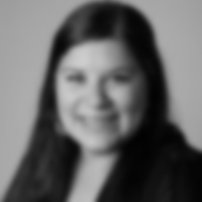 Headshot picture of Kim Ippolito