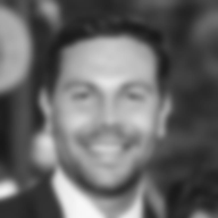 Headshot picture of Tom Valente