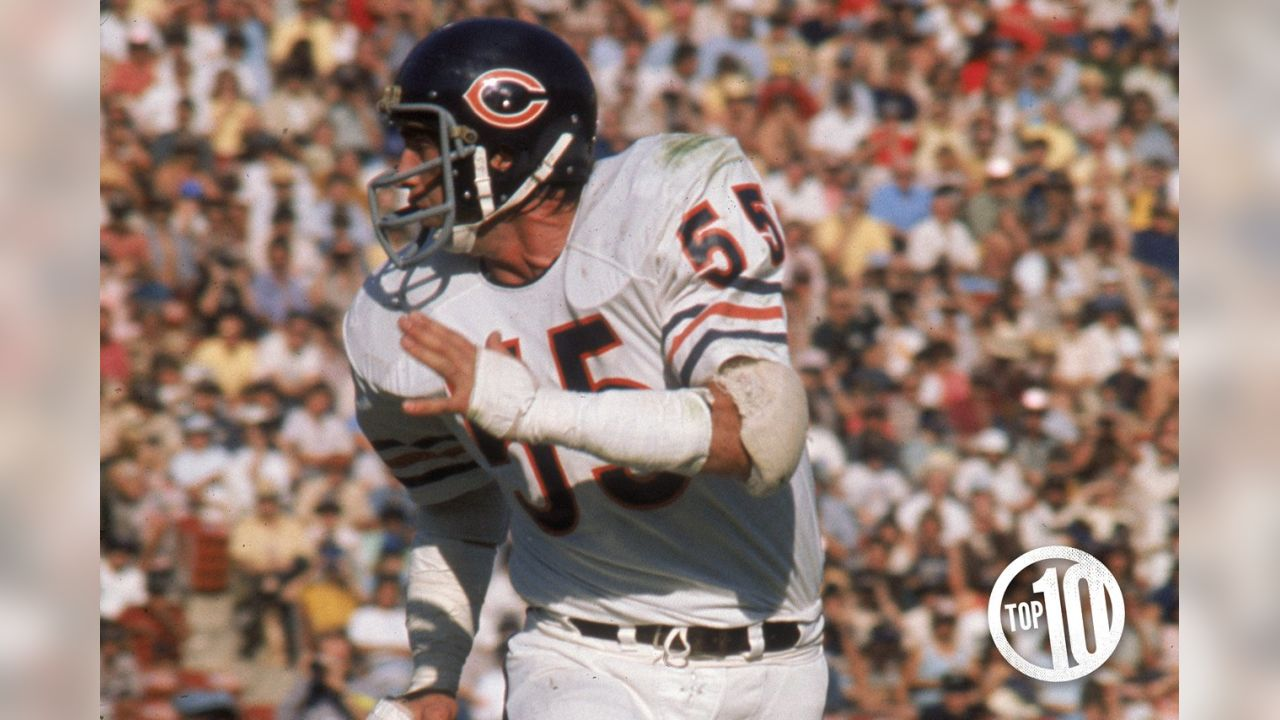 10. Doug Buffone Often overshadowed by teammate Dick Butkus, Buffone was a key contributor and longtime team leader while playing 14 seasons with the Bears from 1966-79.