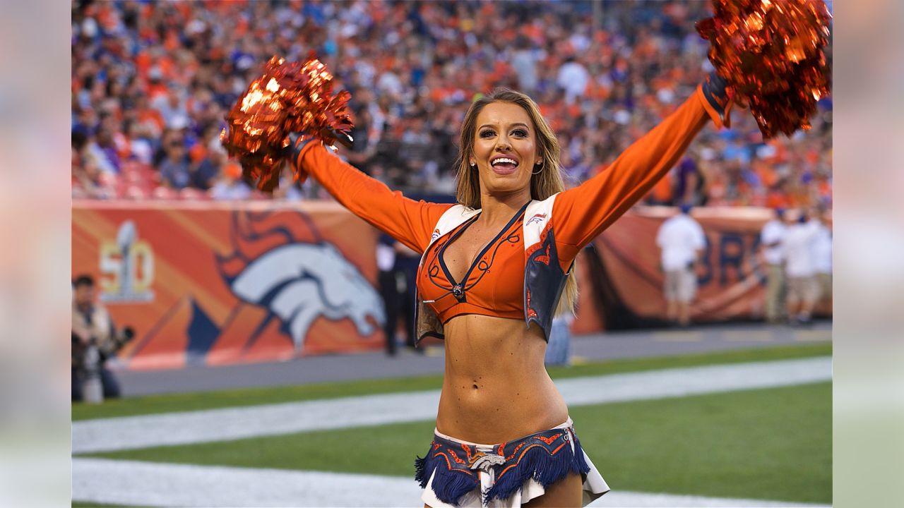 180811, Denver Broncos, MV, 2018  180811, Denver Broncos, Cheerleaders, DBC, Photo By: Paul Cloud   Erica L.