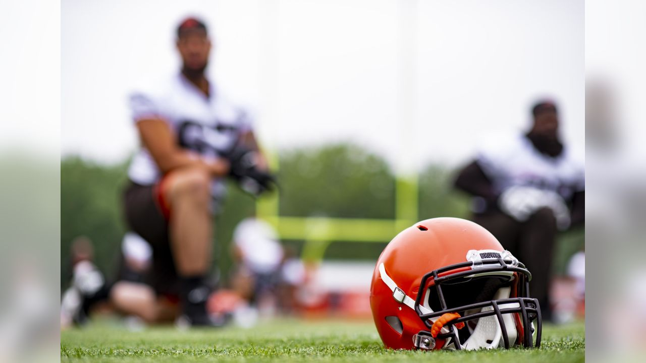 A helmet during the eighth practice of OTAs on May 29, 2019.