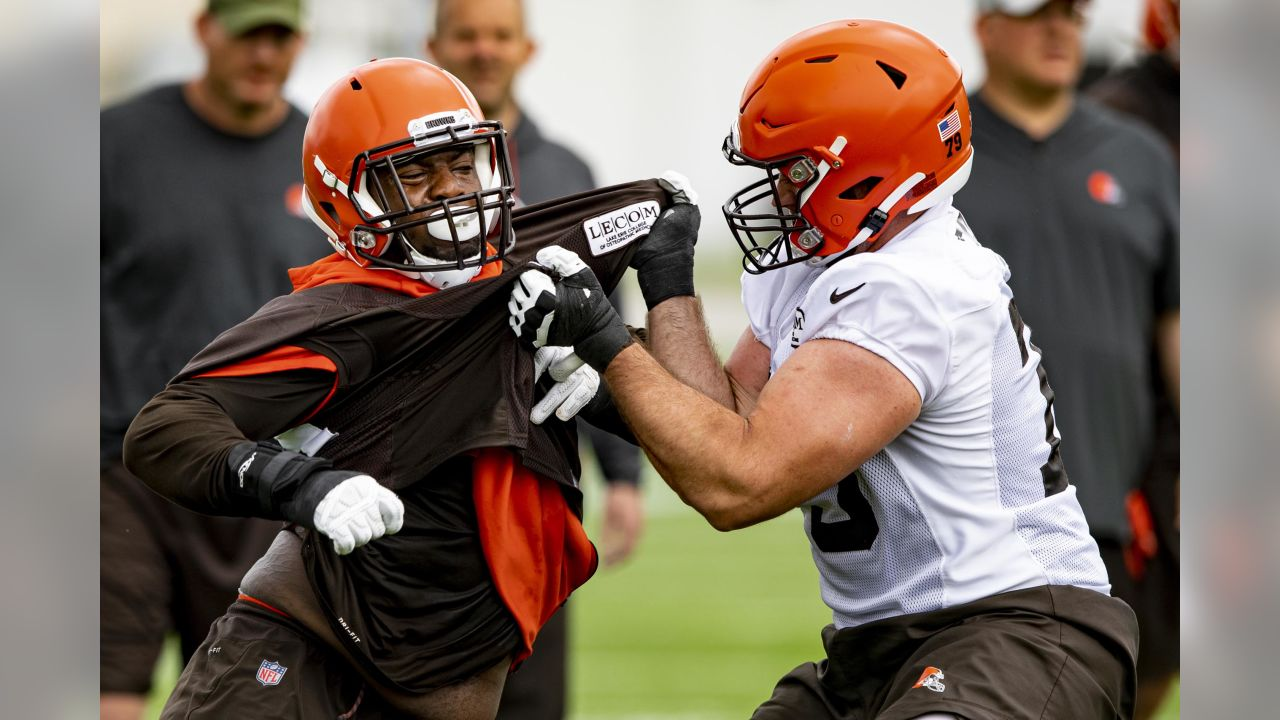 Defensive tackle Trevon Coley (93) and Offensive tackle Drew Forbes (79) during the ninth practice of OTAs on May 30, 2019.