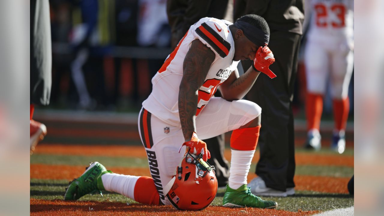 Cleveland Browns running back Duke Johnson has a quiet moment before an NFL  football game against 226a34d43
