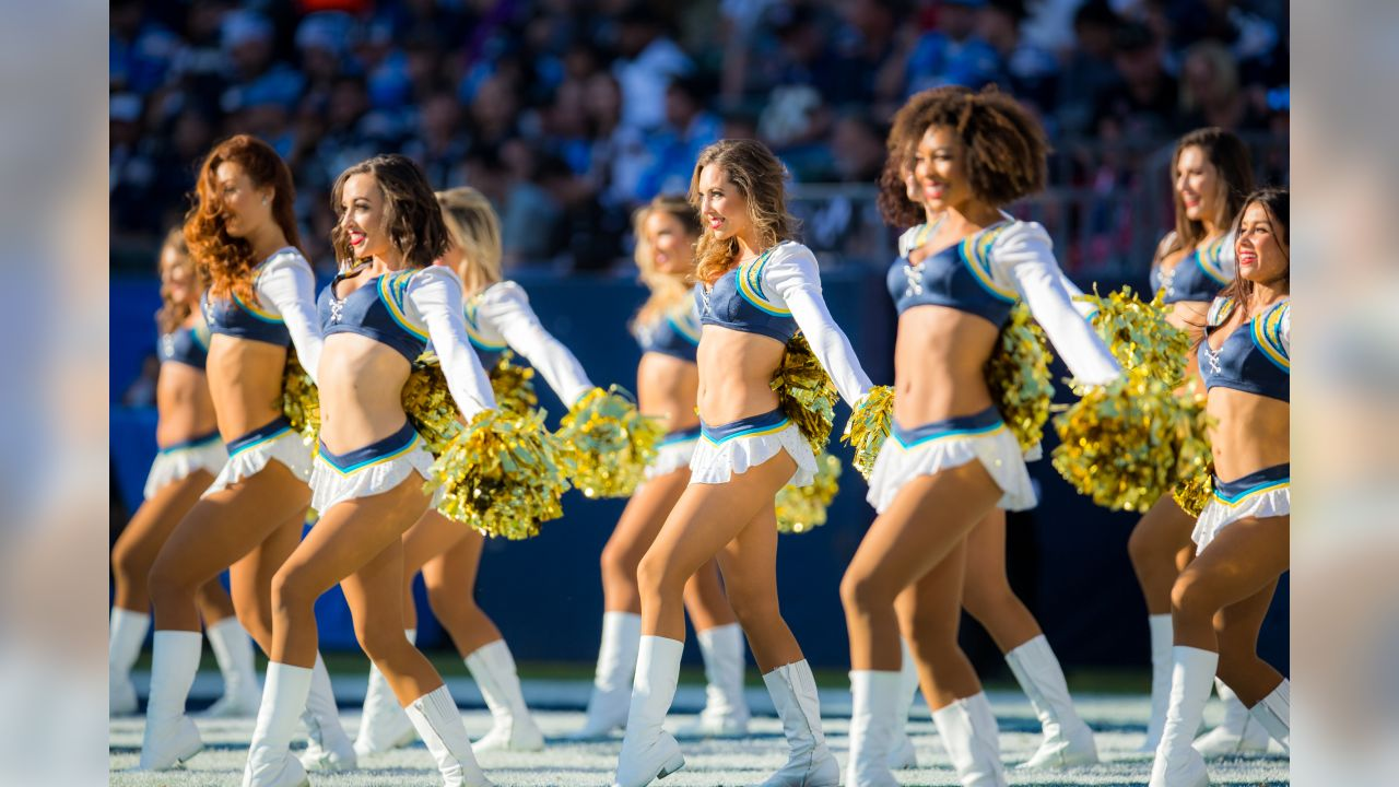 Arizona Cardinals at Los Angeles Chargers on Sunday, November 25, 2018 in Carson, CA. Final score: 10-45.