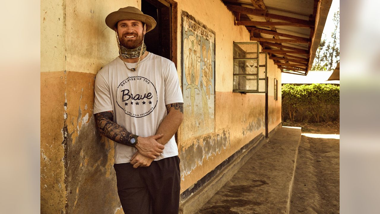 DE Chris Long has been named the 2018 NFL Walter Payton Man of the Year