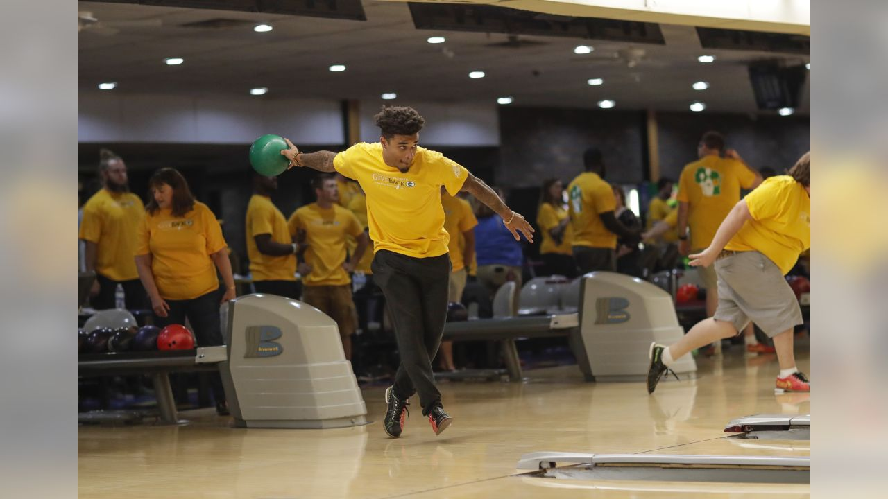180607-packers-give-back-bowling-event-097
