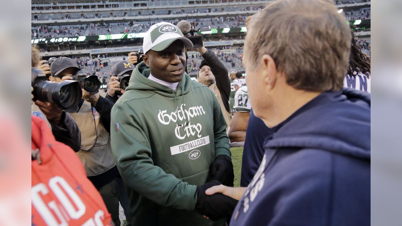 New York Jets head coach Todd Bowles, left, shakes hands with New England Patriots' Bill Belichick after an NFL football game Sunday, Nov. 25, 2018, in East Rutherford, N.J. The Patriots won 27-13. (AP Photo/Seth Wenig)